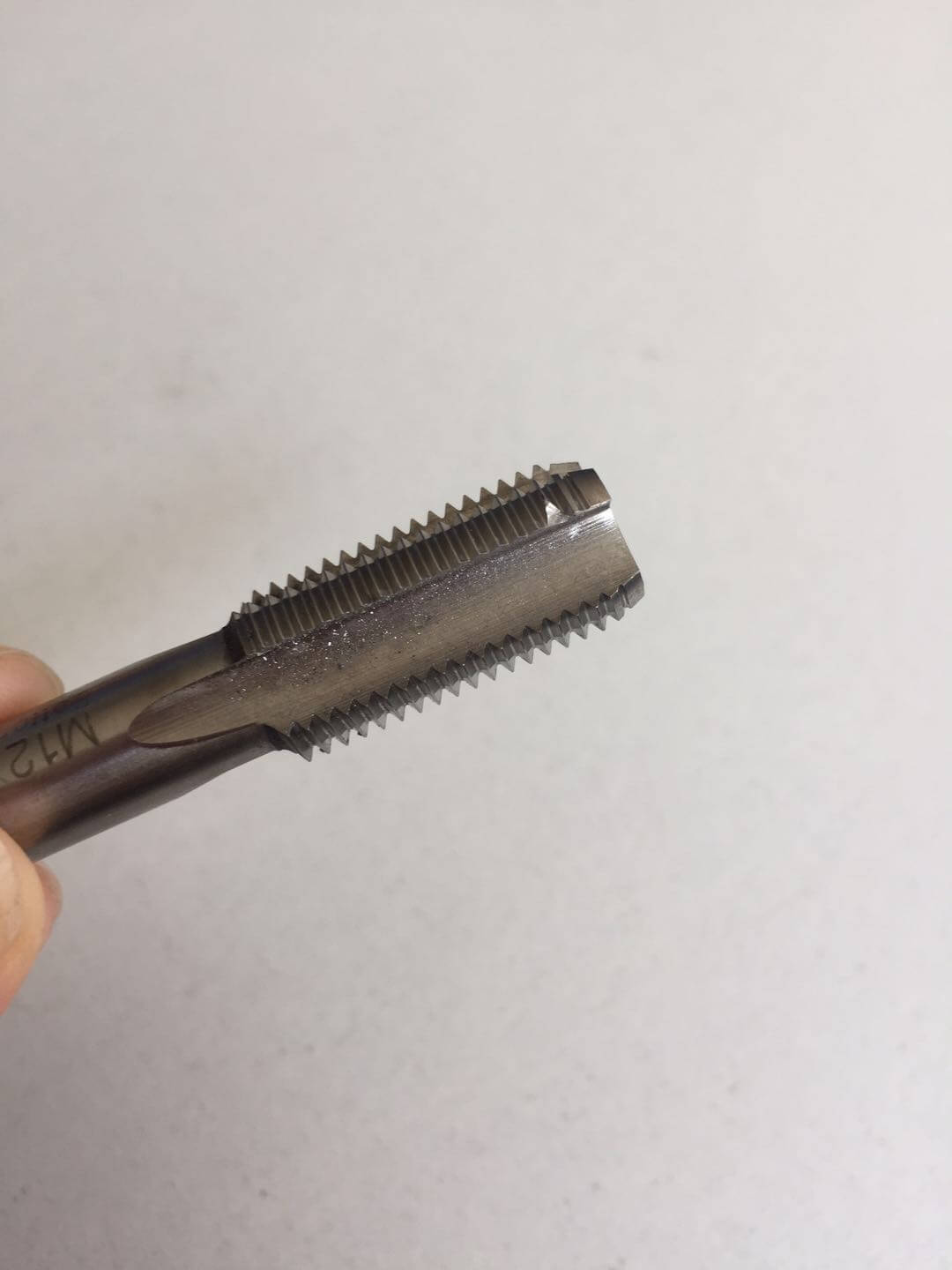 369aba281079794a0b0f98dda699279 - How to judge the wear of the cutting tools and what improvement methods are there?